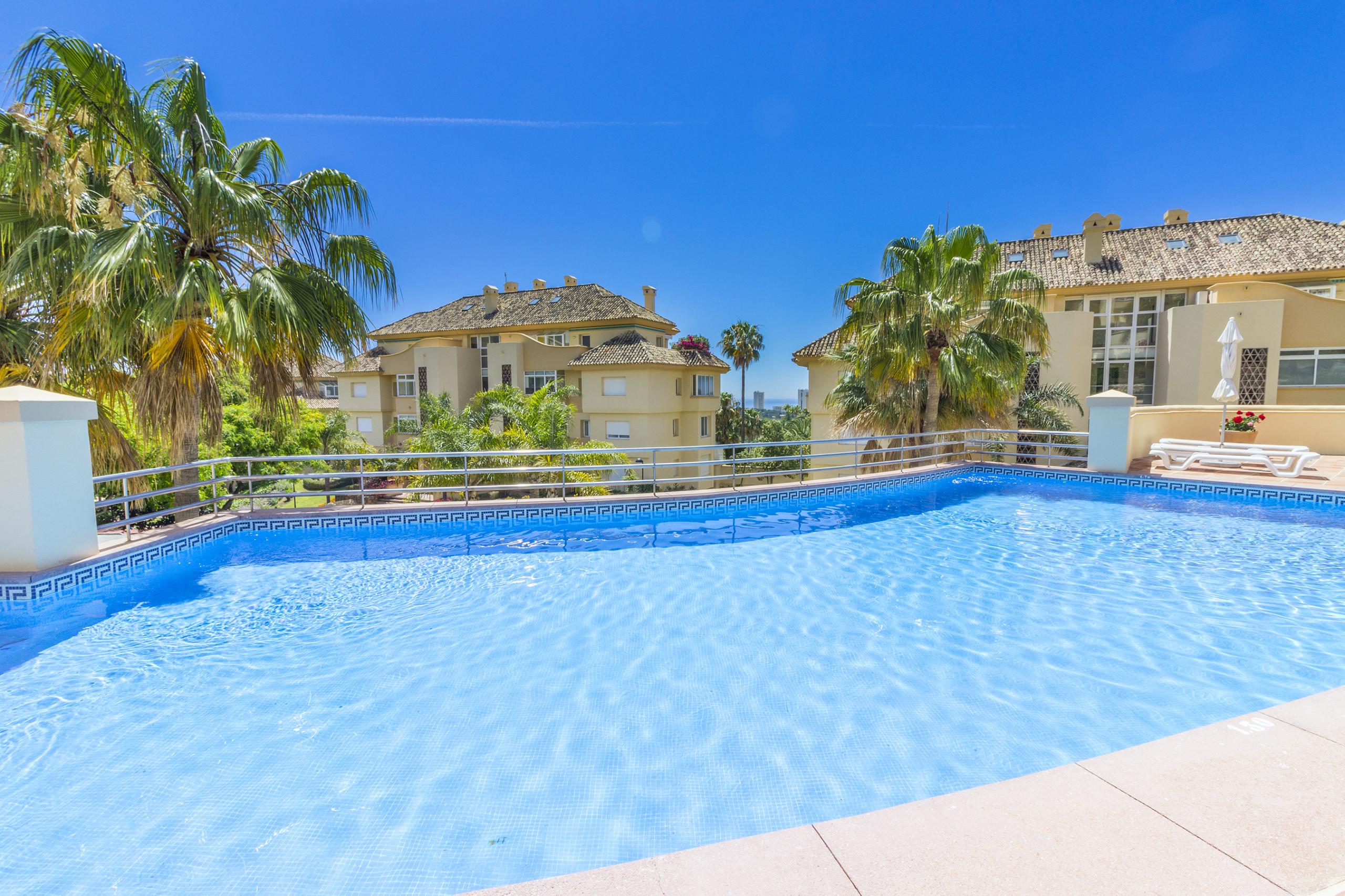 Cubo's Apartamento Boutique Elviria Hills Marbella ...